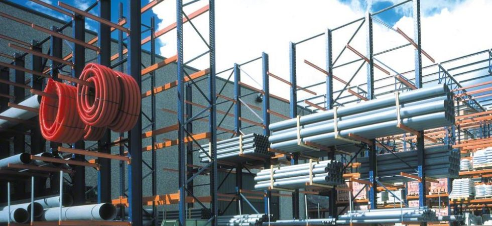 Cantilever Racking Outside for Pipe Storage